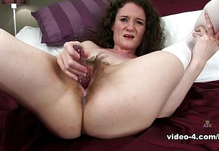 Babe Suckle In fucktoys vid - ATKHairy