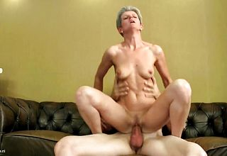 Mature Skinny dame deep throat and Bang youthfull Fellows cum shotgun