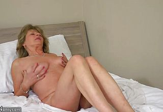 OldNanny Uber super sexy milf with 10 Jerk On sofa