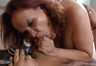 AGEDLOVE large Titted Old Gloria gonzo