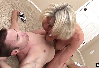 Wankz - Large Breast Mummy peyton Hall Widened