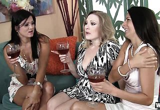 WANKZ- 3 Cougars Sharing A thick Chisel